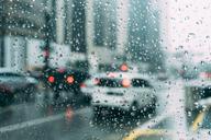 8 geweldige tips om veilig te rijden in de regen